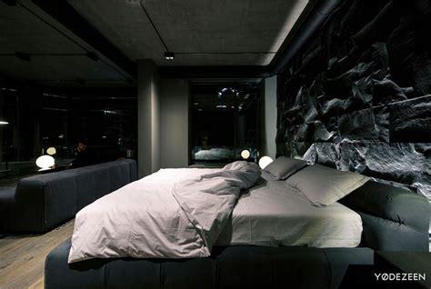 trendy dark bachelor apartment  yodezeen interiorzine