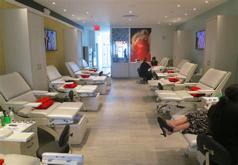Qreate is a shared creative space with the most unique caffeinated creations. Marilyn Monroe Nail Boutique Opens in Mills Park - bungalower