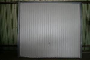 Porte de garage basculante novoferm metal 2375 2125 for Porte de garage bigmat