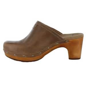 ugg womens shoes ebay ugg australia abbie light brown womens clogs shoes ebay