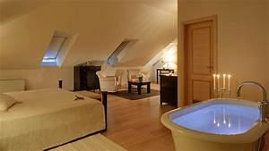 Bad Im Schlafzimmer : romantisches design mit einer badewanne im schlafzimmer ~ A.2002-acura-tl-radio.info Haus und Dekorationen