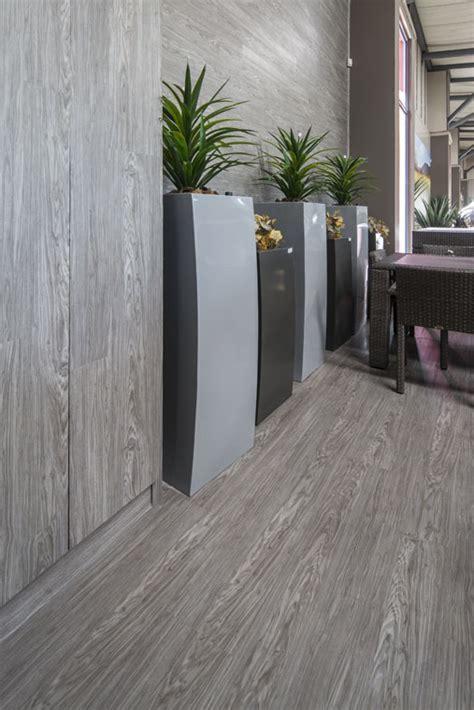 Showcase   Patio Warehouse Ranndburg   Flooring   Inovar
