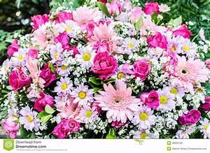 Beau Bouquet De Fleur : beau bouquet des fleurs pour la c r monie de mariage photo ~ Dallasstarsshop.com Idées de Décoration