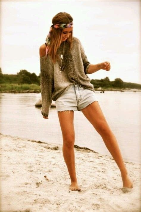 beach outfits wear denim shorts