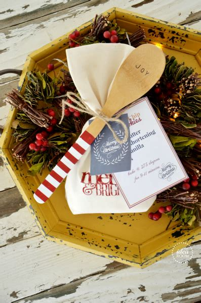 10 easy christmas gifts to make for neighbors gift ideas the idea room