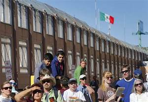 Bishops celebrate Mass along Mexico border | Daily Mail Online