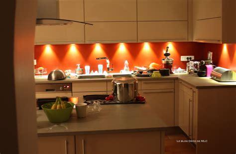 cuisine couleurs decoration cuisine bleu et jaune