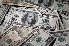 доллар когда падает