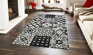 Tapis Pvc Carreaux De Ciment : tapis carreaux de ciment groupon shopping ~ Teatrodelosmanantiales.com Idées de Décoration