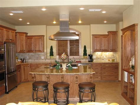 paint colors that go with oak cabinets kitchen colors to go with brown cabinets http www