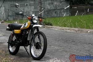 Yamaha Dt 100 Enduro  1977  Menyimpan Banyak Kenangan