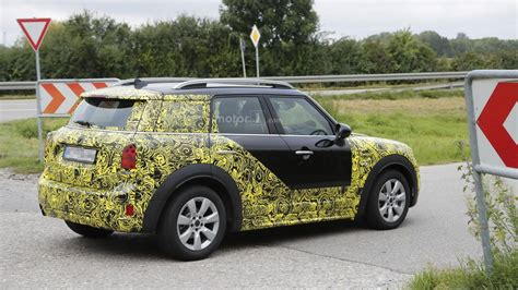 mini countryman stubbornly  camo  tests