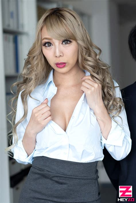 Hey動画 Slut Office Lady Have Sex With A Hot Flashy Girl In Office ケバい女の