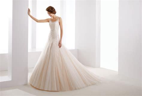 il giardino della sposa abito da sposa dalla linea a redingot in tulle e pizzo