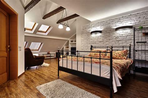 chambre sous toit chambre sous toit 20 photos conseils et astuces pour l