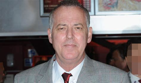 Michael Barrymore to sue police over his arrest on ...