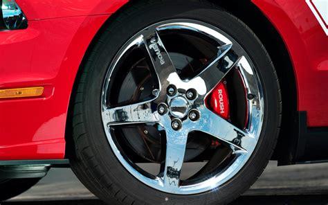 roush  ford mustang  test motor trend