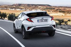 Leasing Toyota Chr : 2017 toyota c hr 1 8 hybrid review review autocar ~ Medecine-chirurgie-esthetiques.com Avis de Voitures