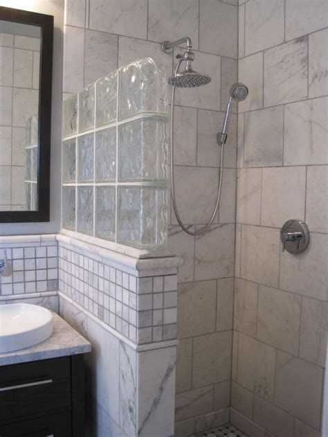Shower Ideas For A Small Bathroom by 1000 Ideas About Glass Block Shower On Glass