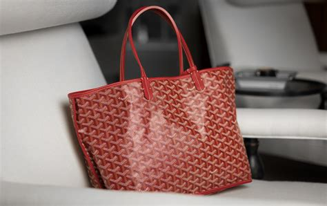 ultimate bag guide  goyard saint louis tote