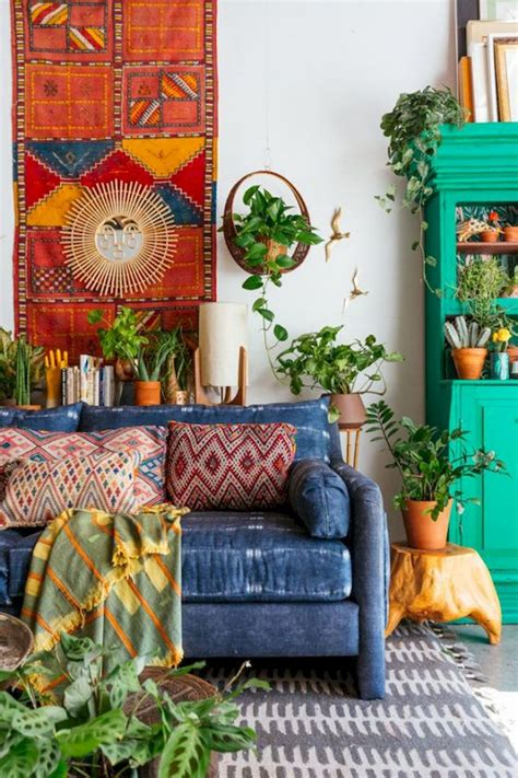 These boho chic bedrooms will serve as perfect inspiration for how to properly decorate your space in this style. Best Inspiring Bohemian Farmhouse Living Room - DECOR IT'S