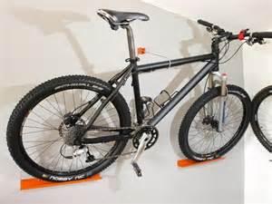 fahrrad wandhalterung design fahrrad wandhalterung tv zubehör einebinsenweisheit