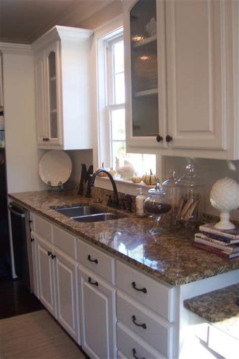 santa cecilia granite with white cabinets santa cecilia granite traditional kitchen