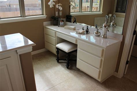 Master bathroom vanity in Bone white by Burrows Cabinets
