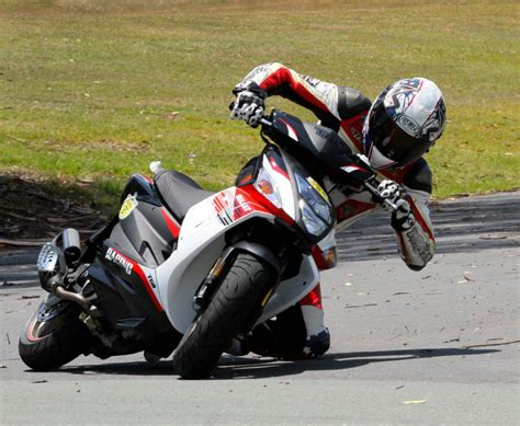 Troy Bayliss Returning To Competition
