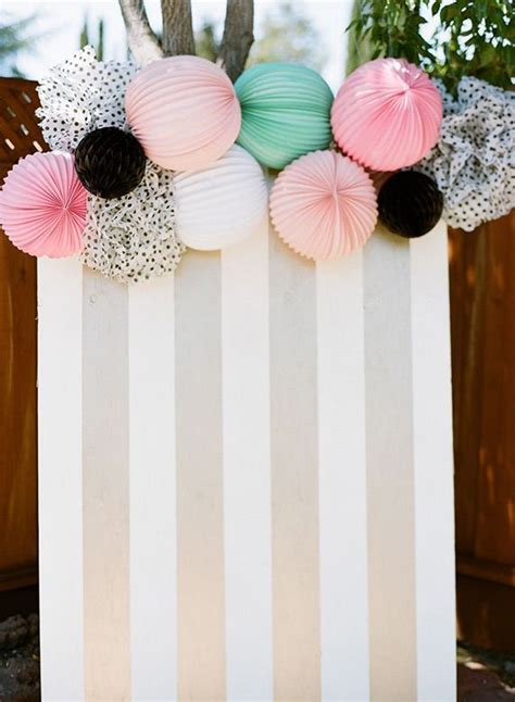 Diy Photo Backdrop With Wrapping Paper by Card Board Wrapping Paper Lanterns For A