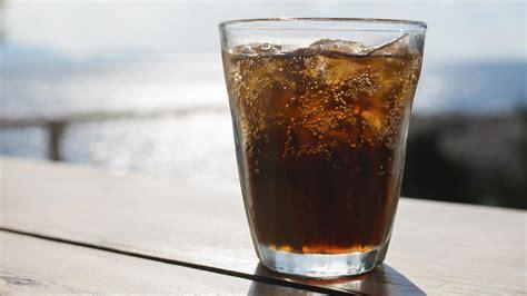 Light-Getränke können ungesund sein und erhöhen das ...