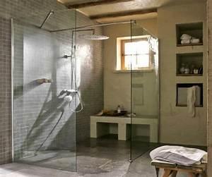 Fenetre Dans Douche : grande salle de bain avec douche italienne photo 2 10 la douche italienne reste une valeur ~ Melissatoandfro.com Idées de Décoration