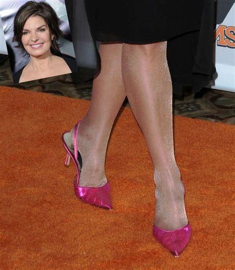 pantyhose legs feet ward sela heels celebrities tights nylon nylons stockings eve dream holmes tan shoes pantyhoz katie