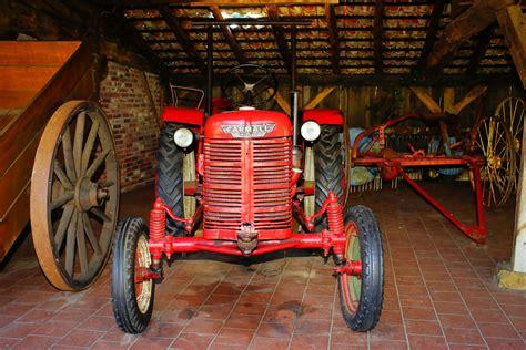 images gratuites tracteur ferme antique roue chariot