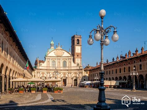 A Pavia by Pavia Province Rentals For Your Vacations With Iha Direct