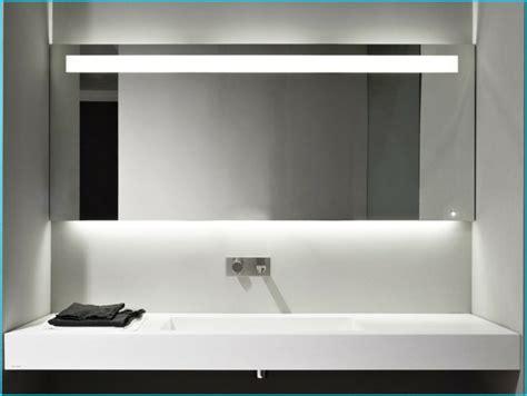 Spiegel Badezimmer Mit Beleuchtung badezimmer spiegel beleuchtung die praktisch sinnvolle