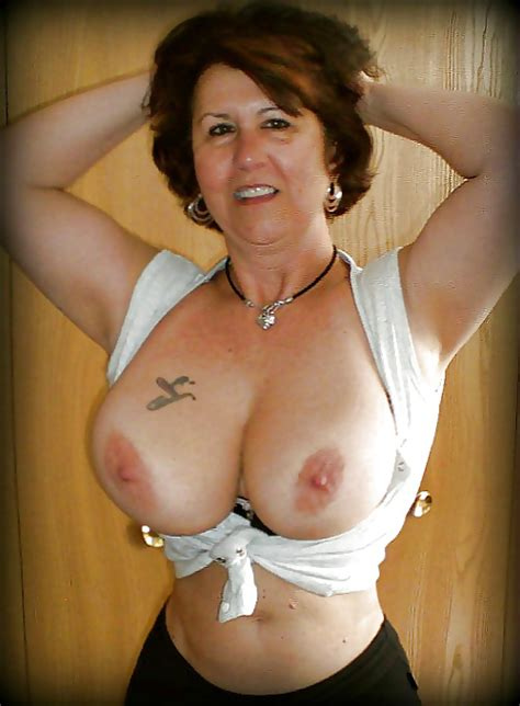 Mature With Big Tits And A Small Waist 34 Pics