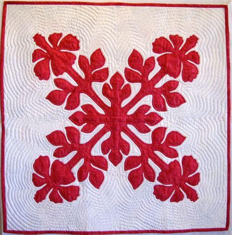 Applique Quilt by Hawaiian Applique Patterns