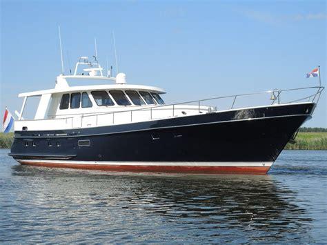 Yacht Vs Boat by 1991 Moonen 18 60 Vs Stabilizers Power Boat For Sale Www