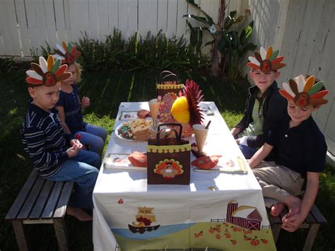 charlie brown thanksgiving table pretend party play a charlie brown thanksgiving