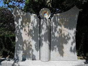L Archipel Saint Bonnet De Mure : monument saint bonnet de mure les monuments aux morts ~ Melissatoandfro.com Idées de Décoration