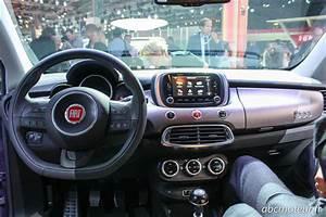 Fiat 500 Interieur : la nouvelle fiat 500x se d voile au salon de paris ~ Gottalentnigeria.com Avis de Voitures