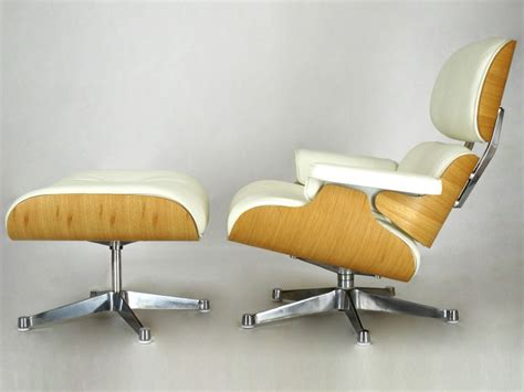 eames lounge chair light walnut