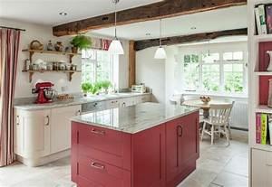 50 idees originales pour la deco cuisine rouge a vous for Deco cuisine avec soldes chaises