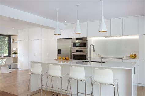 peinturer un comptoir de cuisine armoires de cuisine moderne idees blanc waaqeffannaa org