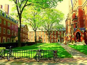 Harvard dorms near old Harvard Yard - Des dortois près du ...