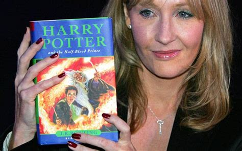 author of harry poter harry potter author jk rowling posts rejection letters not for but to inspire