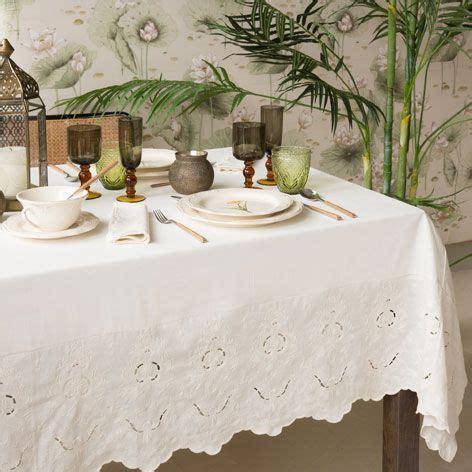 tischdecke und serviette aus leinen mit stickerei tischdecken tisch zara home deutschland