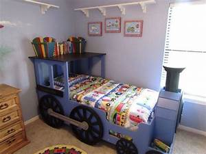 Best 25+ Thomas the tank bed ideas on Pinterest Thomas