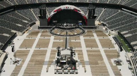 bon jovi  circle  stadium set  time lapse